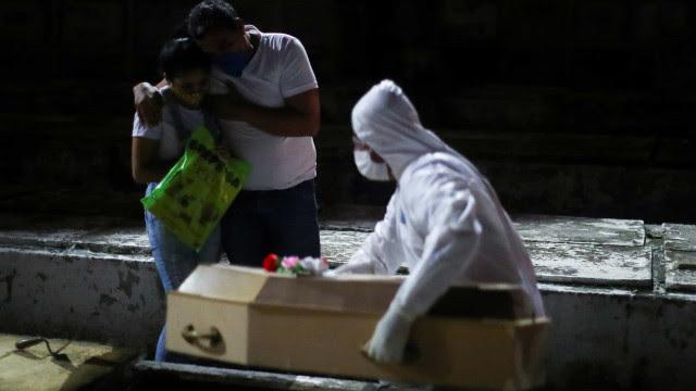 Brasil registra média diária de 693 mortes pelo novo coronavírus