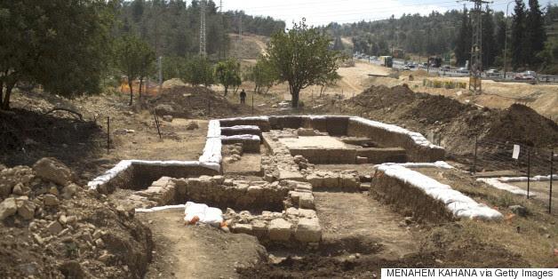 Igreja bizantina antiga descoberto durante a construção de rodovias
