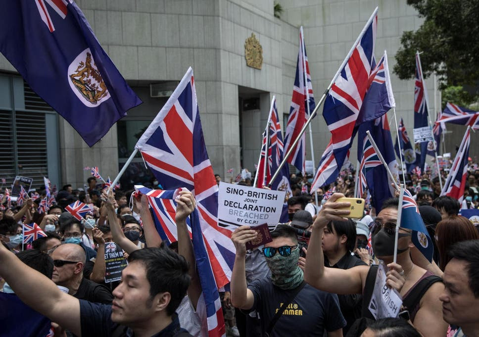 Resultado de imagem para pictures of riots in hong kong in front of the British Embassy