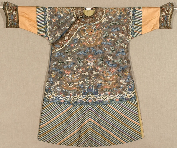 Norton_Exhibition_Chinese Robe 2