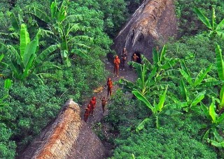 f3773 131125030730283047 - Los macuxies del amazonas recorrian 15 dias bajo tierra hasta el otro mundo