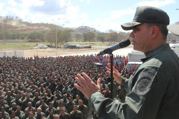 La FANB tiene la misión de garantizar la independencia nacional, y eso lo vamos hacer no solo firmando, sino también empuñando nuestras armas.