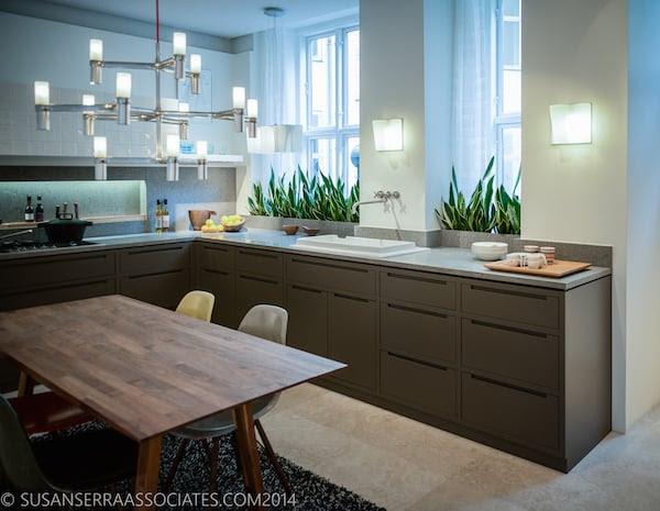 1-Susan-Serra_dark-kitchen