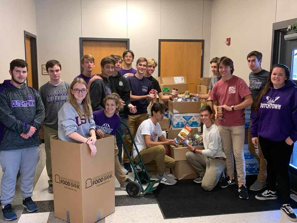 DTHS students collect food