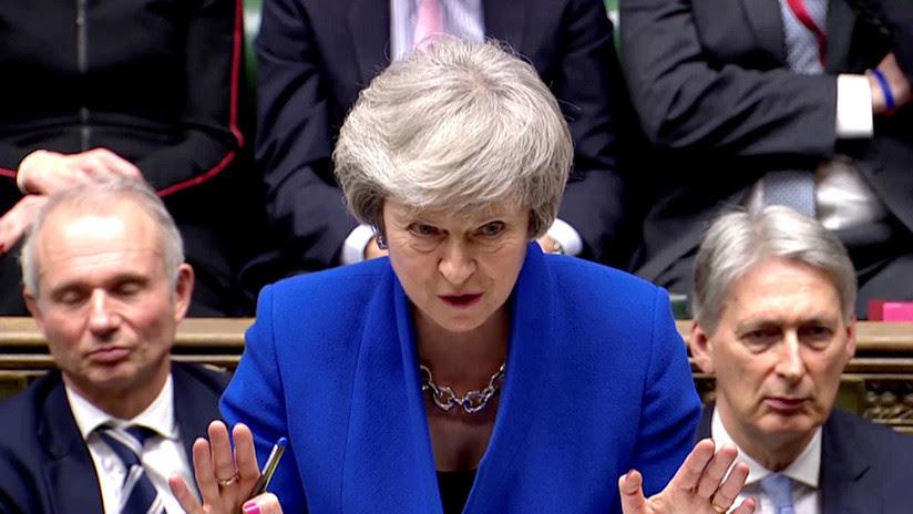 Theresa May resiste la moción de censura presentada por el líder del Partido Laborista