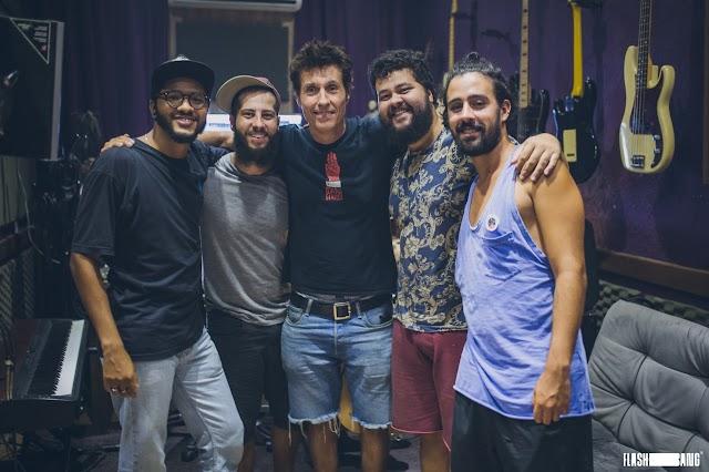 """""""Quem Diria"""", lançamento da banda Zimbra com Dinho Ouro Preto"""
