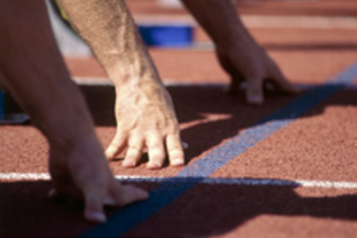 Image of runners, article on losing weight in 5 steps