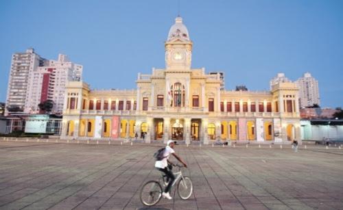 Museu de Artes e Ofícios é um dos pontos turísticos acessíveis
