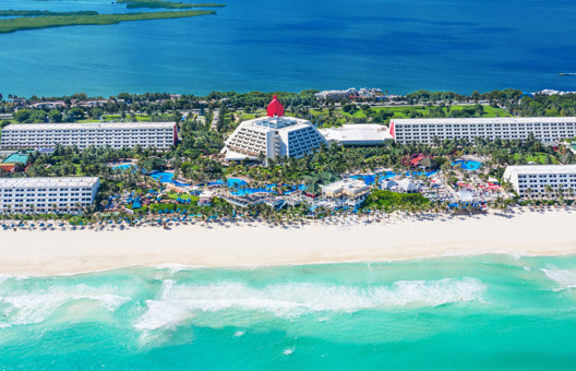 Oasis Hotels & Resorts Cyber Monday Sale up to 70% off vacations