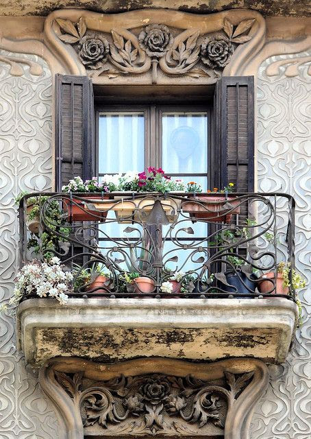 Barcelona                                                            - Roger de                                                            Llúria,   Casa                                                            Jeroni                                                            Granell