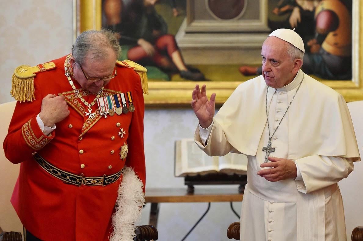 El uso del preservativo causa la última gran disputa entre el Papa y la Orden de Malta