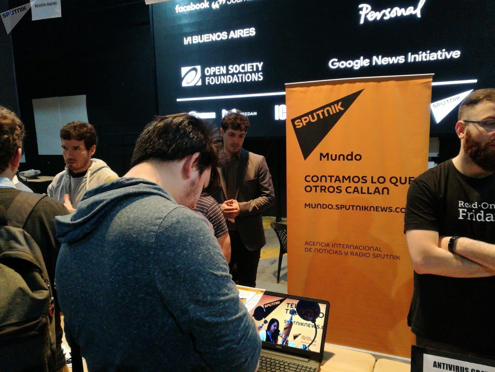 Stand de Sputnik en la Media Party 2019 realizado en Buenos Aires, Argentina