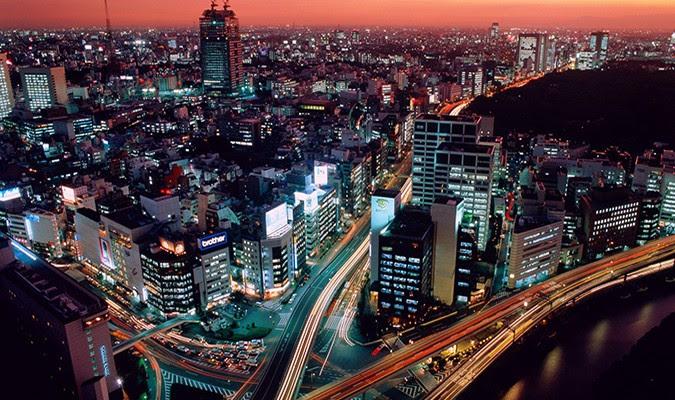 Tokyo, Nhật Bản. Mỗi năm Nhật Bản phải chịu khoảng 7500 trận động đất nhẹ, riêng Tokyo có đến 150 trận.