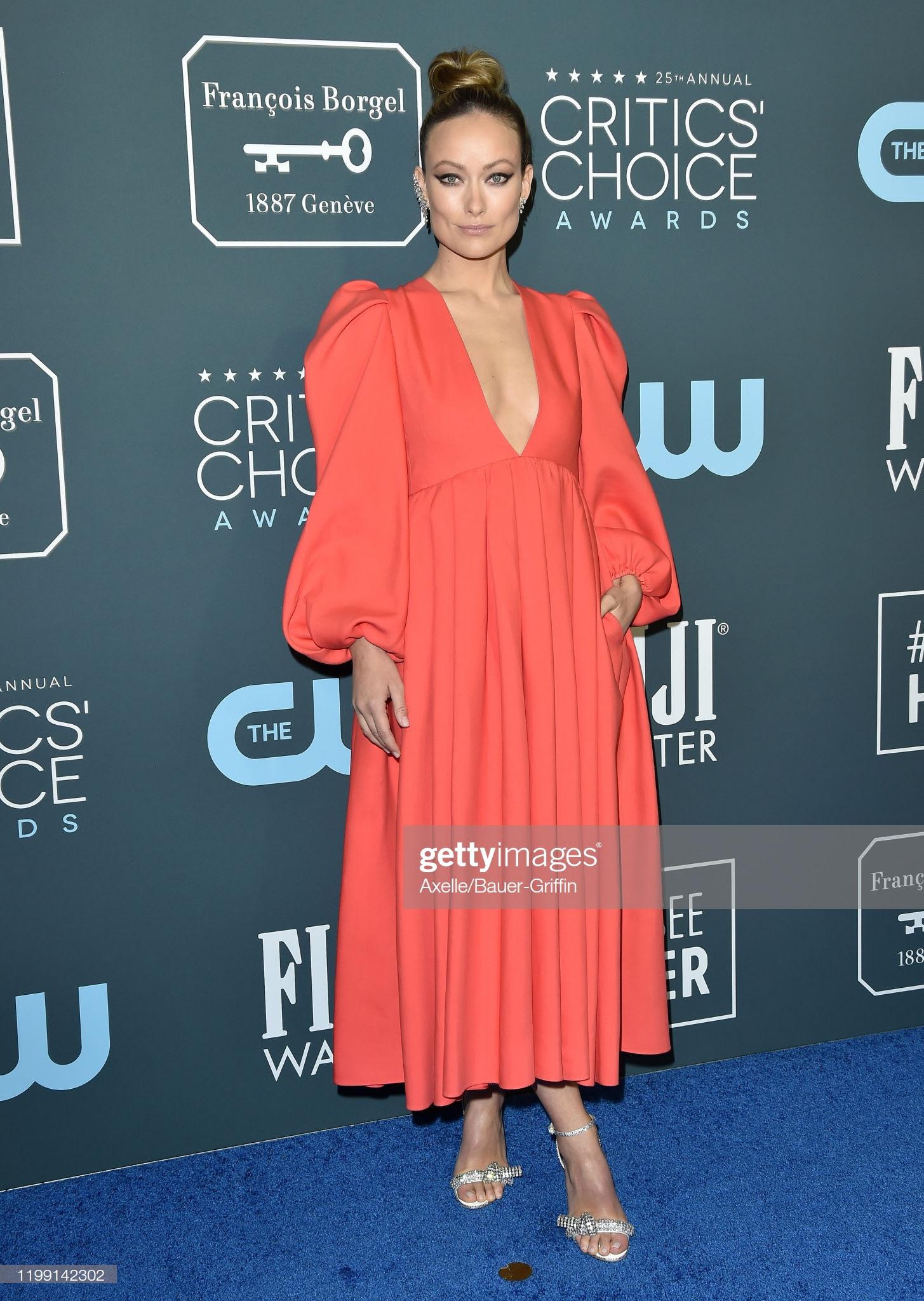 fe939c3a 7d59 44a9 b49b 216c274a08aa - Jennifer Lopez y Emily,entre las celebrities que apostaron por Jimmy Choo en los Critics' Choice Awards