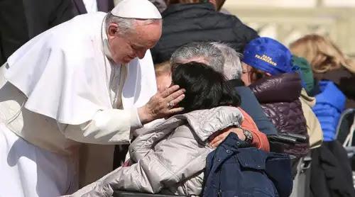 El Papa explica cómo hacer concreta la opción preferencial por los pobres
