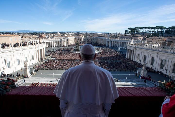"""Los dos baluartes de """"L'Osservatore Romano"""" y de la sala de prensa de la Santa Sede, han caído en las manos de personajes muy fieles al papa Francisco (REUTERS)."""