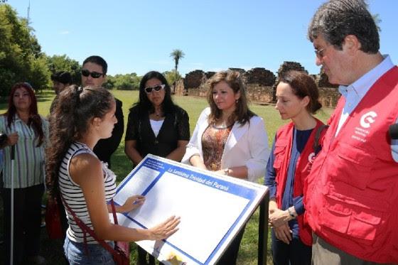 Informação em Braille nos atrativos turísticos permitirão um melhor entendimento com autonomia de pessoas com deficiência visual