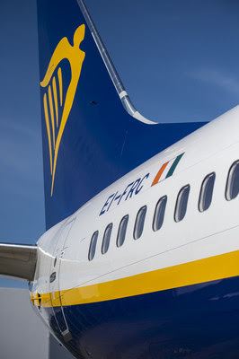 Ryanair celebrates delivery of low-cost carrier's 400th Next-Generation 737-800