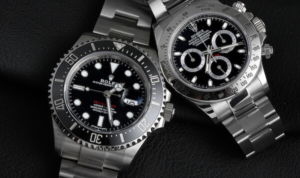 Rolex Sea-Dweller 43mm ref 126600 side by side with the Rolex Daytona