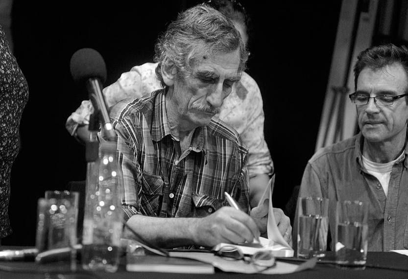 Jorge Zabalza en la presentación de su libro La experiencia tupamara: pensando en futuras insurgencias, el martes en la sede de la Asociación de Empleados Bancarios del Uruguay. Foto: Manfred Kühne