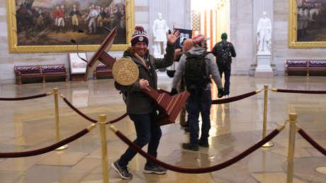 Las imágenes más impactantes de las violentas protestas de los partidarios de Trump en el Capitolio