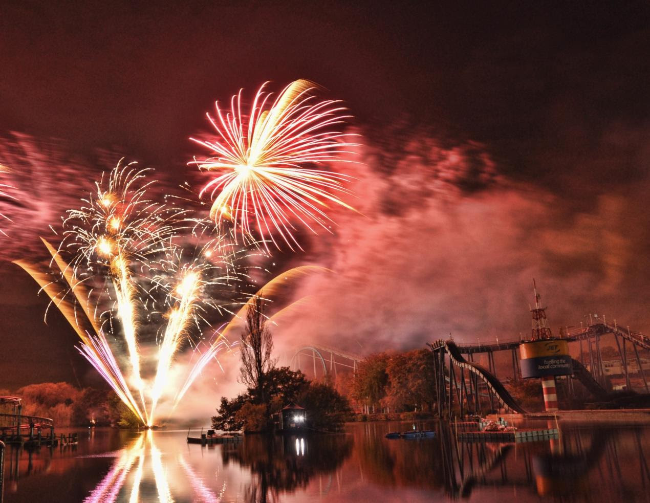 Drayton Manor Theme Park Fireworks Spectacular 2 credit Ashley Gardner