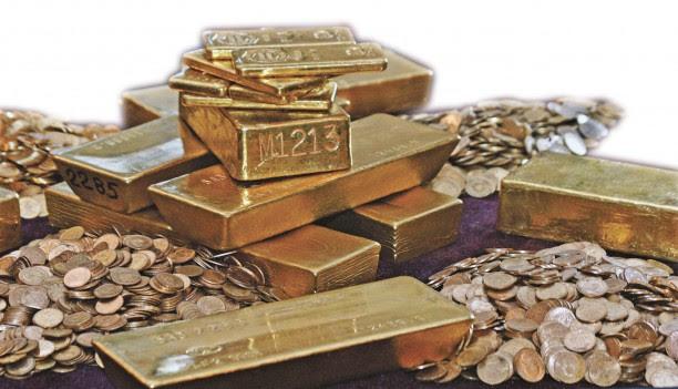 De la începutul omeniri până acum, din ţara noastră s-au extras 2.070 de tone de aur. Cu toate acestea, România mai are 6.000 de tone de metal prețios în zăcăminte
