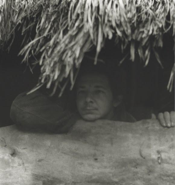 Raúl Castro durante la Operación Antiaérea en la zona del II Frente Oriental. Foto: Archivos de la Oficina de Asuntos Históricos del Consejo de Estado.