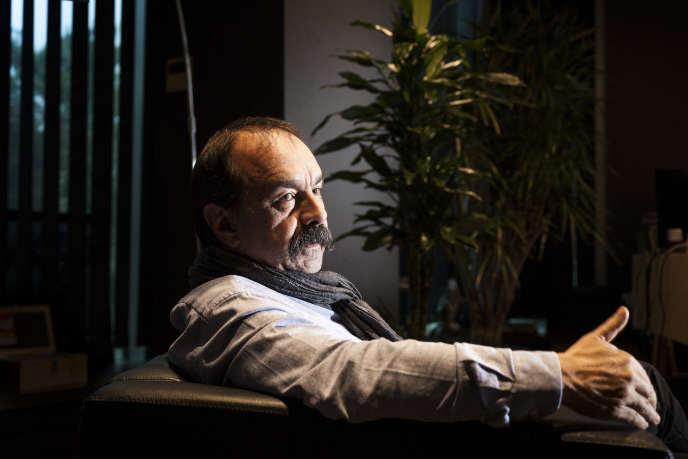 Le secrétaire général de la CGT, Philippe Martinez, dans son bureau au siège de la confédération, à Montreuil (Seine-Saint-Denis), le 6 décembre.