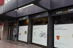 La banca española afronta más concentración y despidos en el décimo aniversario del primer rescate