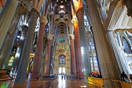Resultado de imagen para basilica de la sagrada familia españa