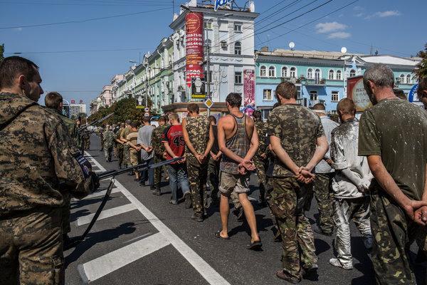 http://static01.nyt.com/images/2014/08/24/world/europe/25DONETSK/25DONETSK-articleLarge-v2.jpg