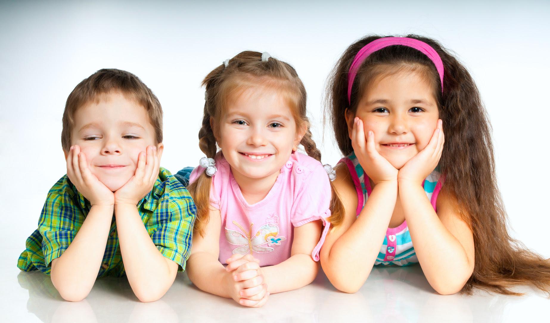 Bebés de diseño simulados y seleccionados por ordenador