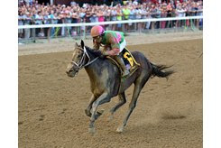 Sippican Harbor took to the dirt and brought plenty of it home with her in the Spinaway Stakes at Saratoga Race Course