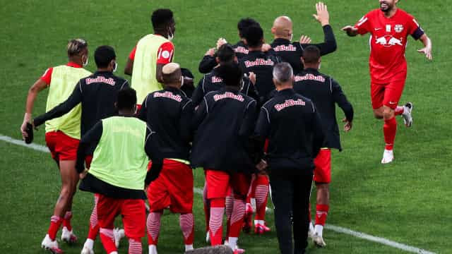 Bragantino vence na Arena e freia Corinthians em luta por vaga na Libertadores