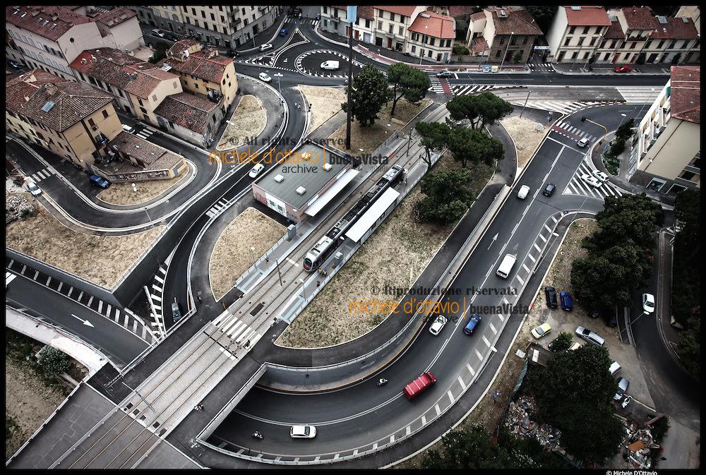 Mediocri soluzioni progettuali per la Linea 1 in P.za Paolo Uccello di fronte al Parco delle Cascine