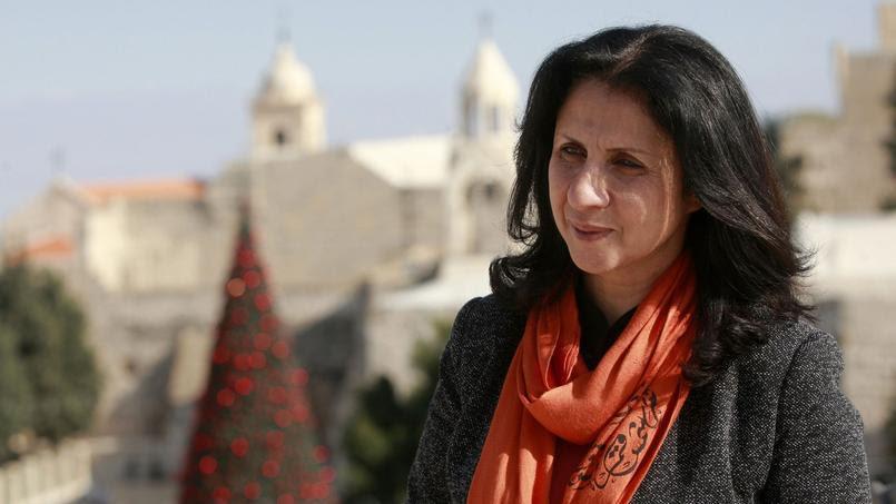 Vera Baboun a publié «Pour l'amour de Bethléem: ma ville emmurée»*, un ouvrage personnel dans lequel elle livre un témoignage poignant sur sa vie de femme, mère seule de 5 enfants, à la tête d'une ville encerclée par un mur de huit mètres de haut.