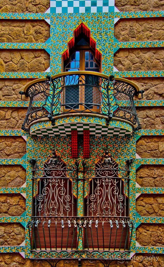 Casa                                                            Vicens ~ The                                                              work of Antoni                                                            Gaudi.                                                            Barcelona |                                                            CIan Gampon
