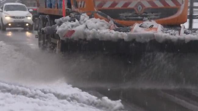 Intempéries : le Massif central sous la neige en mai
