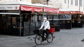 O 'jeitinho italiano' para driblar quarentena e bloqueios contra o coronavírus