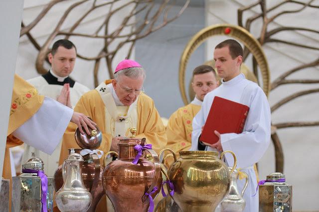 Msza św. Krzyżma w Šagiewnikach (zdjęcia) • malopolskaonline.pl