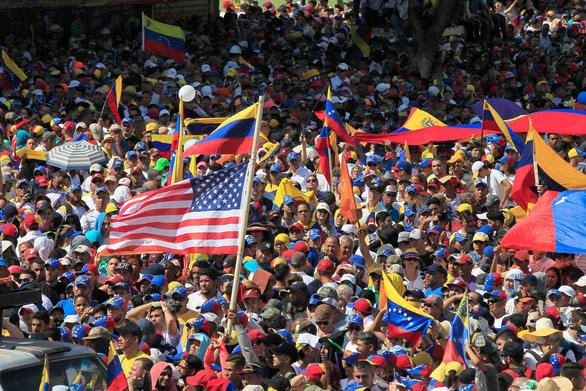 Mỹ phớt lỠ đe dỠa trục xuất nhà ngoại giao của Venezuela - Ảnh 2.