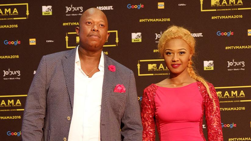 VIDEO: Una famosa cantante sudafricana es agredida por su novio durante una transmisión en directo