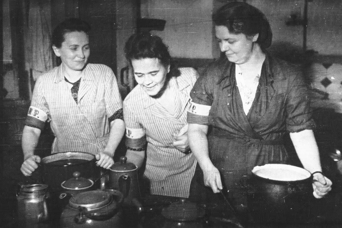 Lokajski_-_Stołówka_powstańcza_w_Adrii_(1944).jpg