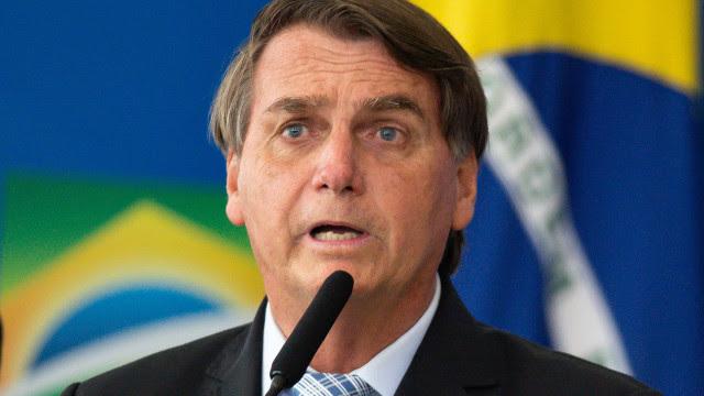 Bolsonaro diz que joga dentro da Constituição e lembra que tem limitação para decretar estado de sítio