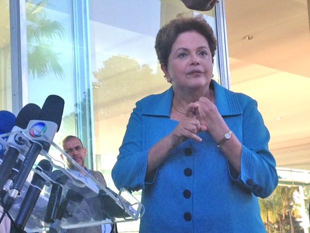 A presidente Dilma Rousseff concede entrevista no Palácio da Alvorada (Foto: Filipe Matoso / G1)