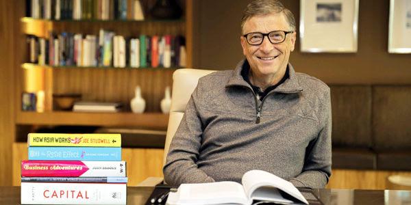 Gates gestiona un imperio de 80.900 millones de dólares. Su fundación, Bill & Melinda Gates, ha donado más de 30.000 millones de dólares desde el 2000.