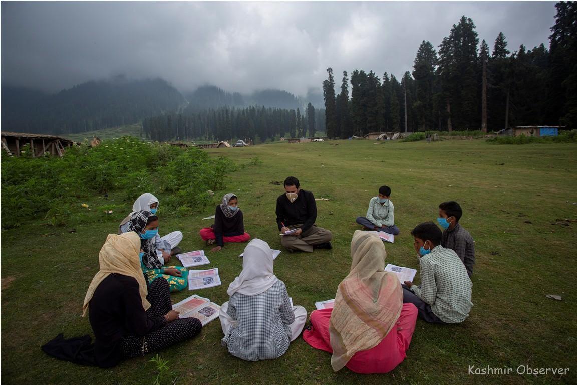 Jammu & Kashmir: Students' capacities usher in open-air community classes