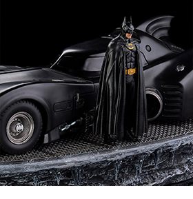 BATMAN & BATMOBILE ART SCALE STATUES