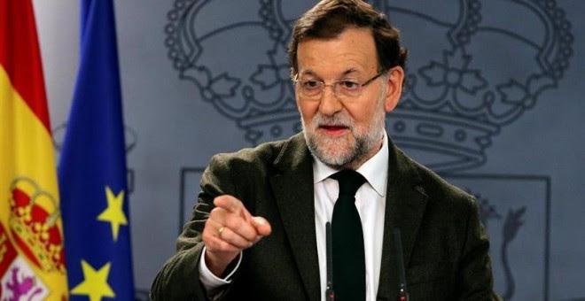 El presidente del Gobierno, Mariano Rajoy, durante la rueda de prensa que ha ofrecido hoy en el Palacio de la Moncloa, tras reunirse por separado con los líderes de Ciudadanos, Albert Rivera, y Podemos, Pablo Iglesias, para abordar las líneas de acción co
